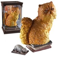 fluffy pluisje magical creatures diorama noble collection harry potter